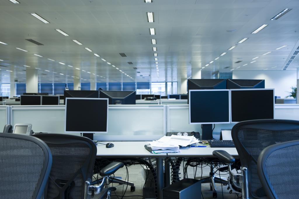 デュアルディスプレイのメリットとは?経理業務を効率化するためにマルチディスプレイの知っておきたいメリット5つ!