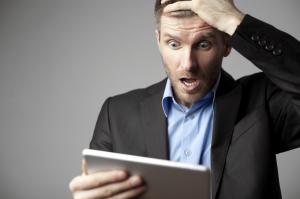 経理関係者に衝撃走る!インボイス方式導入と事務負担の増大