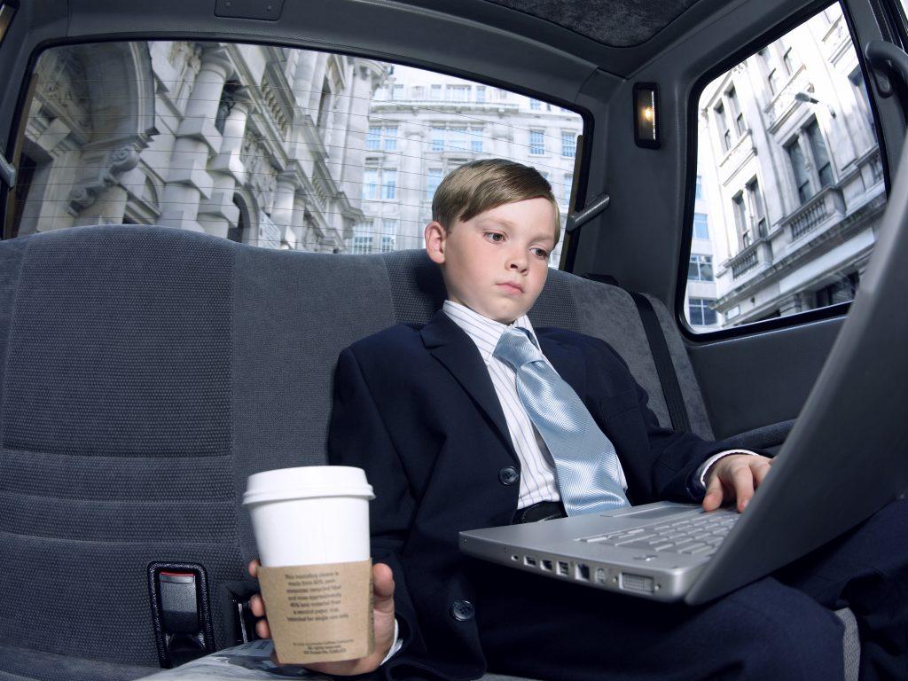 法人が持つ社用車の会計上のメリット・デメリット