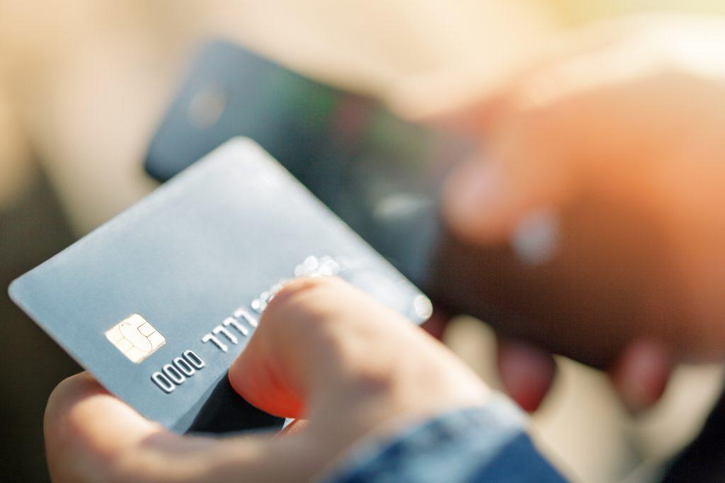経費精算はクレジットカードで効率化 会計処理と運用のポイント