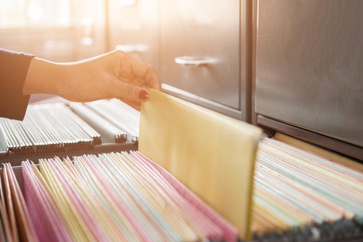 領収書の保管期間はいつまで?書類別の保管期間&電子保存のメリット