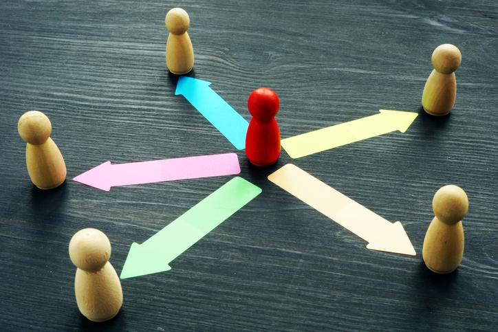 経理業務の効率化はIT化それともアウトソーシング?2つの違いとは