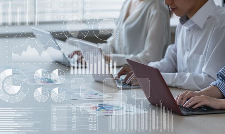 生産性分析の基本計算方法や目安の値、分析方法を分かりやすく紹介